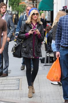 Fearne Cotton Photo - Fearne Cotton Leaves Radio One in London