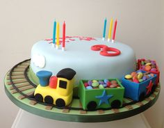 Bolos decorados para tema Comboios - http://www.boloaniversario.com/bolos-decorados-para-tema-comboios/