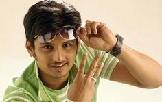 Jiiva gets himself tanned http://www.myfirstshow.com/news/view/39138/Jiiva-gets-himself-tanned.html