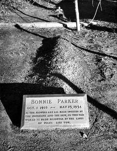 Bonnie Parker Photo Death | Bonnie Parker Death Photo