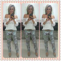 Elas Usam Mania de Sophia: E olha o charme da Blusa Gipsy aí novamente. Look completo no site: www.maniadesophia.com.br.