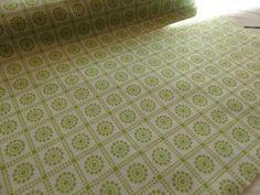 Filz & Filzplatten - 1m Design Filz 45cm breit hellgrün weiß Muster - ein Designerstück von Frau_Zwerg bei DaWanda