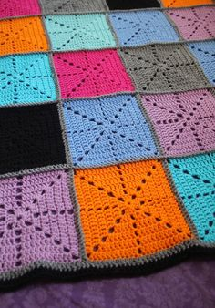 Simple filet starburst patchwork Blanket, pattern by creative jewish mom.
