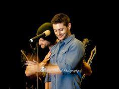 Jared and Jensen, VanCon2014 (Karen Kinkead Photography) click through for larger shot. Love this!