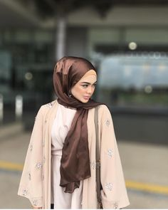 """Giving her #poplookootd a little bling is @syfqahcvlt in her Murjit Cardigan and she takes her look up a notch with a pretty Satin scarf to match. We're loving it! • Ps. The #poplook Riang Raya #OOTD contest is well under way ladies so don't forget to participate 😘 • To participate: • * Post a picture of you wearing a POPLOOK outfit between 25 June - 2 July * Include these tags in your caption: @poplook #poplookriangraya #poplookootd * Make sure your account is set on """"Public"""" mode so we…"""