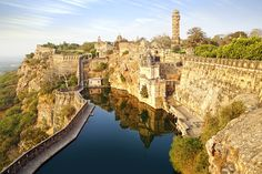 The 25 Most Beautiful Places on Earth 13 Benteng Chittorgarh, India