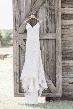 country wedding dress Lace Open Back Wedding Dress with Spaghetti Straps on Barn.--country wedding dress Lace Open Back Wedding Dress with Spaghetti Straps on Barn Door Barn Wedding Dress, White Lace Wedding Dress, Open Back Wedding Dress, Wedding Dresses With Flowers, Rustic Wedding Dresses, Long Sleeve Wedding, Wedding Dress Sleeves, Princess Wedding Dresses, Perfect Wedding Dress