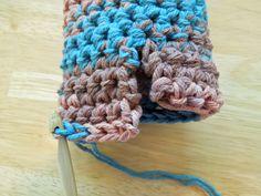 New crochet slippers patern free ideas 62 Ideas Crochet Booties Pattern, Easy Crochet Slippers, Crochet Slipper Pattern, Crochet Pillow Pattern, Crochet Mittens, Crochet Stitches Patterns, Knitting Patterns Free, Free Crochet, Crochet Ideas