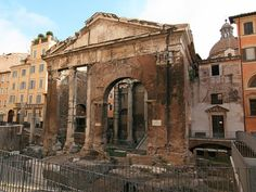 Portico de Octavia, Jewish quarter near Tiber island, #Rome built by #Augustus in the name of his sister, Octavia Minor, sometime after 27 BC