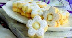 Najlon torta sa orasima i mljevenim keksom Czech Recipes, Croatian Recipes, Christmas Cupcakes, Christmas Sweets, Croatian Cuisine, Kolaci I Torte, Lava Cakes, Pastry Cake, Culinary Arts