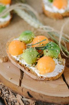 Toast avocat, melon et fromage frais Most Delicious Recipe, Healthy Eating, Yummy Food, Nutrition, Breakfast, Foodies, Philly Cream Cheese, Healthy Eats, Favorite Recipes