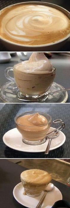 Una taza de café soluble, taza y media de azúcar y taza y media de agua. Y a batir, como si fuera nada montada. Yummy Drinks, Yummy Food, Cooking Time, Cooking Recipes, Café Chocolate, Mocca, Frappe, Frappuccino, Puddings