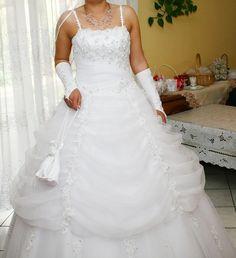 ♥ Wunderschönes weißes strass HOCHZEITSKLEID / BRAUTKLEID Gr. M ♥  Ansehen: https://www.brautboerse.de/brautkleid-verkaufen/wunderschoenes-weisses-strass-hochzeitskleid-brautkleid-gr-m/   #Brautkleider #Hochzeit #Wedding