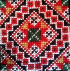 Bead Jewellery, Tree Skirts, Christmas Tree, Beads, Holiday Decor, Home Decor, Pictures, Teal Christmas Tree, Beading