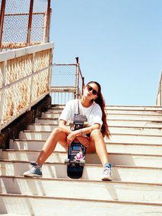 Pinterest: @fashionbeat18 #skateboardingwomen #skateboardingoutfits