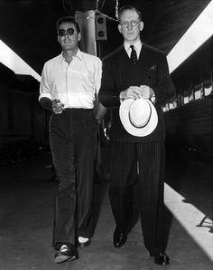 1945-errol-flynn-picks-up-his-dad-at-union-station.jpg?w=800