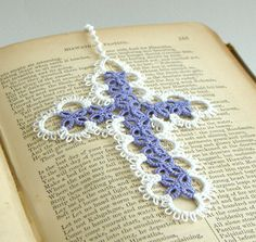 """Pattern for cross bookmark is from """"Christmas Angels and Other Tatting Patterns"""" by Monica Hahn. Crochet Bookmark Pattern, Crochet Bookmarks, Crochet Cross, Thread Crochet, Filet Crochet, Crochet Motif, Knit Or Crochet, Crochet Patterns, Crochet Edgings"""