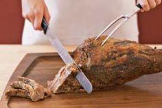 Slicing a leg of lamb Lamb Chop Recipes, Meat Recipes, Wine Recipes, Cooking Recipes, Smoker Recipes, Cooking Tips, Recipies, Lamb Shanks, Lamb Chops