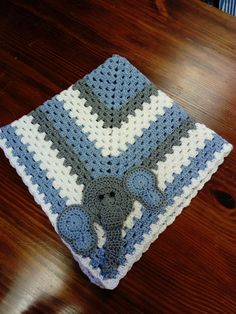 Mi primer Manta a crochet me encanta. Espero Rodrigo la disfrute.