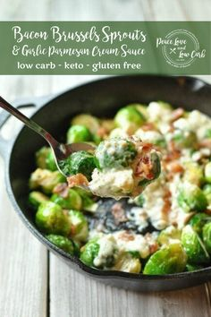 Tender roasted Brussels sprouts with bacon and a delicious garlic parmesan cream sauce. Tender roasted Brussels sprouts with bacon and a delicious garlic parmesan cream sauce. Low Carb Side Dishes, Side Dish Recipes, Low Carb Recipes, Real Food Recipes, Great Recipes, Ketogenic Recipes, Banting Recipes, Keto Foods, Ketogenic Diet