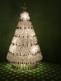 Christmas DIY: A Bling Bling Wow.Christmas Tree made from Safety Pins and Crystal Beads Unique Christmas Trees, Xmas Tree, Winter Christmas, All Things Christmas, Vintage Christmas, Christmas Holidays, Christmas Decorations, Christmas Ornaments, Christmas Lights