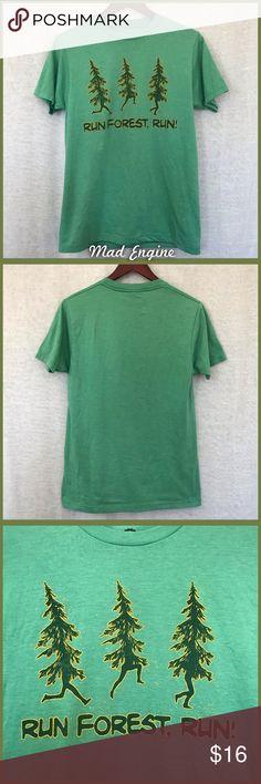 cc72b8744a94 Run Forest Run T-shirt Men s size small - but also easily a women s -