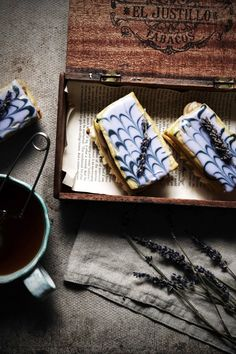 love mille feuille - would need time to try this .Earl Grey and Vanilla Bean Mille Feuille with Lavender Recipe Food Photography Styling, Food Styling, Life Photography, Eclair Patisserie, Just Desserts, Dessert Recipes, Dessert Ideas, Chocolates, Color Lavanda