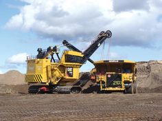 Syncrude Shovel | Caterpillar equipment at Imperial Oil and ExxonMobil Canada's Kearl ...