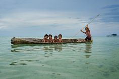 A journey in Borneo (Malaysia) with Bajaus people (sea gypsies). By Réhahn Photography Bajau People, Abstract Photography, Travel Photography, People Around The World, Around The Worlds, Sailing Day, We Are The World, Vietnam Travel, Beautiful Islands