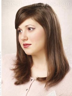 medium-layered-hairstyle-round-face-side-view-668