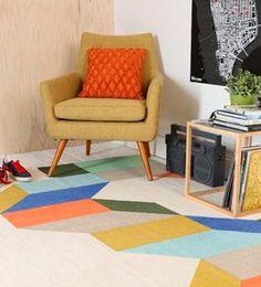 Cálidos fifties | Ventas en WestwingRETRO POP  Los prints geométricos recrean atmósferas retro donde el color es protagonista junto a butacas o muebles de reminiscencias fifties.