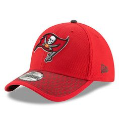 c9fba77d96e New Era Tampa Bay Buccaneers Red 2017 Sideline Official 39THIRTY Flex Hat