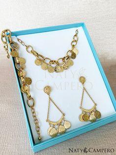 Nice Jewelry, Glamour, Charmed, Bracelets, Fashion, Coin Necklace, Necklaces, Bangle Bracelets, Luxury Jewelry