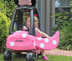 A fun upcycle to a personalized Minnie Mouse Cozy Coupe!