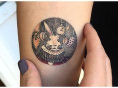 Les tatouages en forme médaillon de l'artiste turque Eva Krbdk (24 tatouages)