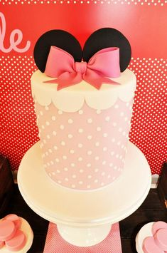 Vintage Minnie Mouse Party via Kara's Party Ideas | Kara'sPartyIdeas.com #Vintage #MickeyMouse #Party #Idea #Supplies (15)
