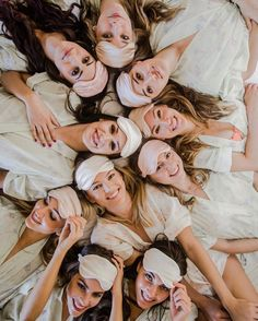 Planning your besties Bachelorette Party? You MUST READ these expert ideas for throwing a unique party for your bachelorette! Plus, a few ideas from the gals at Here Comes The Guide! Bachelorette Party Playlist, Bachelorette Slumber Parties, Sleepover Party, Pajama Party Grown Up, Bachelorette Party Pictures, Sleepover Activities, Bachelorette Games, Bachelorette Weekend, The Perfect Girl