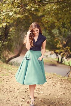 Looking for a pin up style dress for photo shoot coming up! I love this look!