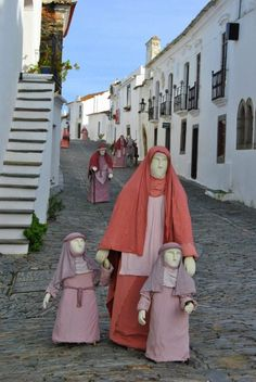 Presépio de rua em Monsaraz Monsaraz, Azores, Portugal, Beautiful, Fashion, Festivals, Etchings, Street, Pen And Wash