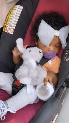 Cute Mixed Babies, Cute Black Babies, Beautiful Black Babies, Cute Little Baby, Pretty Baby, Cute Babies, Newborn Black Babies, Black Baby Girls, Baby Girl Newborn