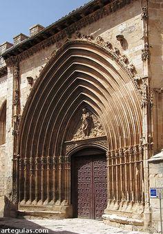 Portada de San Juan. Aranda de Duero Burgos España.