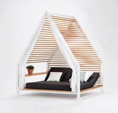 Get Out! Outdoor Lounge Bed by Patricia Urquiola for Kettal