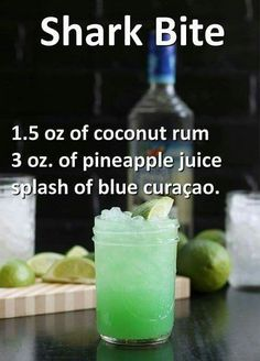 Shark bite 15 ounces of coconut rum 3 ounces of pineapple juice and a dash of blue curacao. Informations About Hai-Biss … Unzen Kokosnuss-Rum, 3 Unzen Ananassaft und ein … Bar Drinks, Cocktail Drinks, Cocktail Recipes, Alcoholic Drinks, Beverage, Bourbon Drinks, Fancy Drinks, Detox Drinks, St Patrick's Day Cocktails