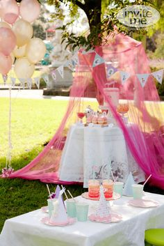 Vintage Circus Afternoon Tea / Girl