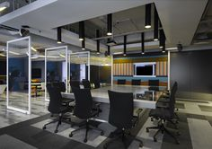 do these glass walls rotate to close the room off? If not, they should. Y Collaborative Office by M Moser Associates, Kuala Lumpur office design