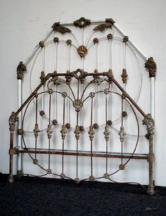 """""""School House"""" design. Amazingly detailed casting. early 1800's. #ironbeds #antiqueironbeds Iron Headboard, Diy Headboards, Bedroom Bed, Diy Bedroom Decor, Home Decor, Antique Iron Beds, Vintage Bed Frame, Cast Iron Beds, Brass Bed"""