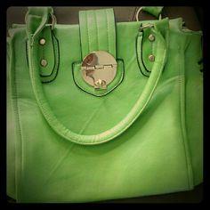 HANDBAG HANDBAG GOLD HARDWARE LIKE GREEN SPACIOUS AND FASHIONABLE Bags