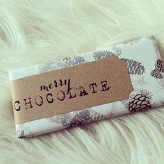 FREEBIES | Printable Merry Chocolate Labels