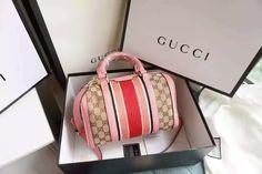 fc61bbfb8c670 30 beste afbeeldingen van Gucci slippers outfit - Gucci slipper ...