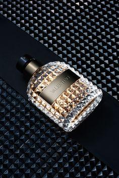 Valentino Uomo é envolvente e sofisticado! Acesse: http://www.perfumesimportadosjf.com.br/perfume-valentino-uomo-masculino.html